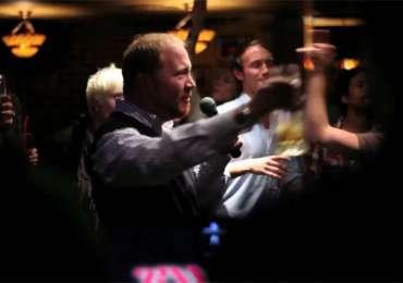 Your's Irish Bar: Karaoke S.O.S.