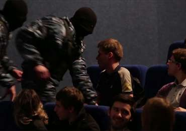 Amnesty International: Kidnapping performance for human rights in movie theater